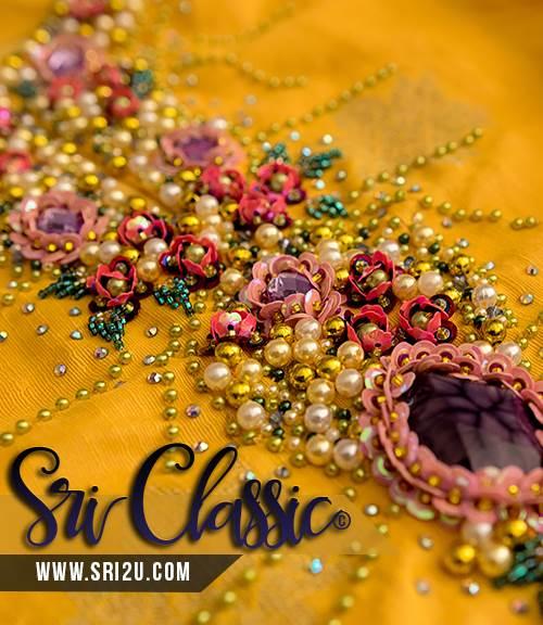 Baju Kurung Pahang Bermanik Corak Manik Crumble & Shimmering Flora