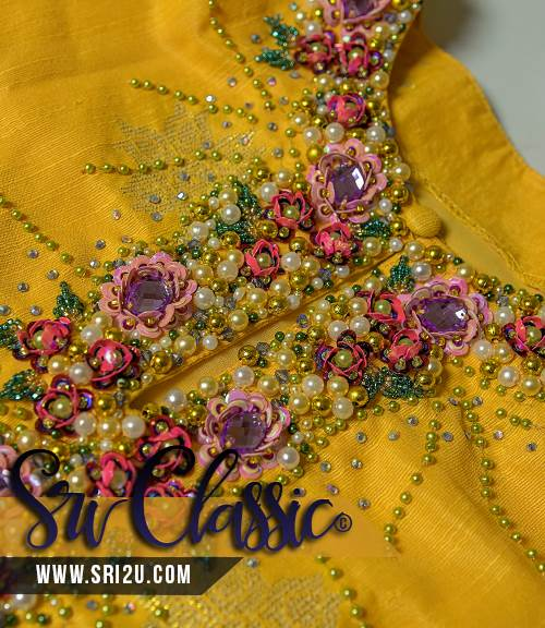 Baju Kurung Pahang Bermanik