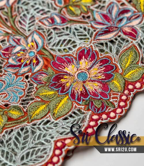 Design Kurung Moden Bersulam Bunga Magnolia dan Sakura Dengan Kerawang Daun